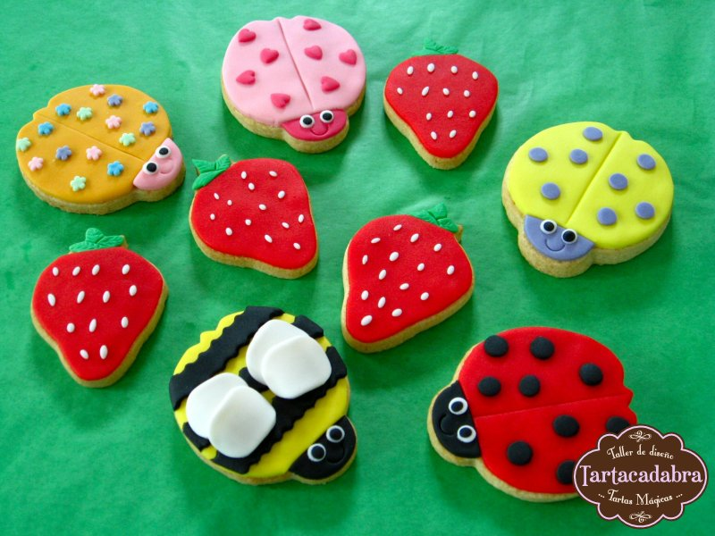 Cupcakes Y Galletas Decoradas Www Tartacadabra Es
